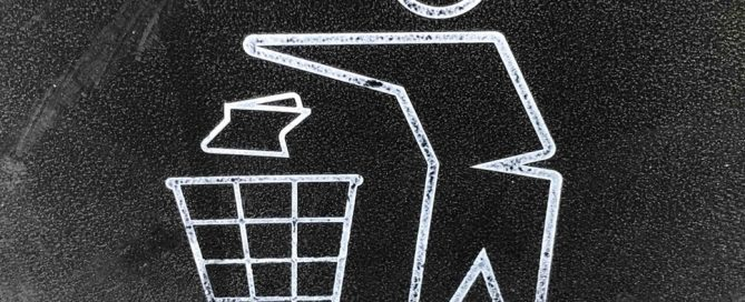 Anti-littering in symbol with stick person